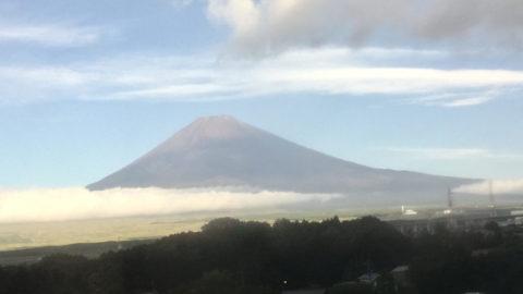 台風一過、御殿場からの富士山です